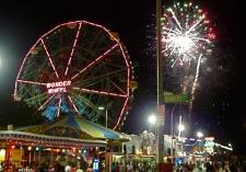 Coney-Island-Beach-Fireworks-July-4-2014-NYC1